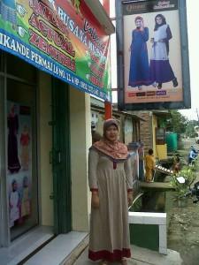 Ibu Nur - Salsa Collection